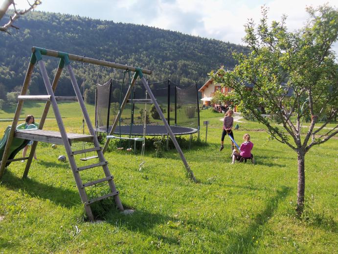 Le gîte Clair Vallon : jeux plein air